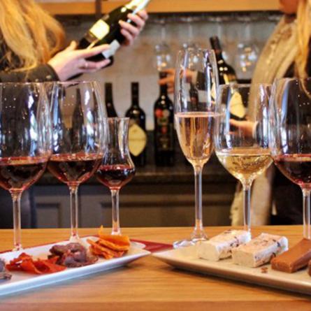 Food and wine pairing in FRANSCHHOEK!